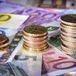 Jak dbać o pieniądze za granicą. Poradnik emigranta zarobkowego