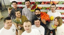 Dostawa owoców do pracy – na co zwrócić uwagę przy wyborze dostawy? Praca, BIZNES - Zagraniczny koncept dostawy świeżych owoców do pracy zagościł w Polsce na dobre.Nie tylko korporacje, ale i średnie firmy coraz chętniej decydują się na ten rodzaj benefitu pozapłacowego.