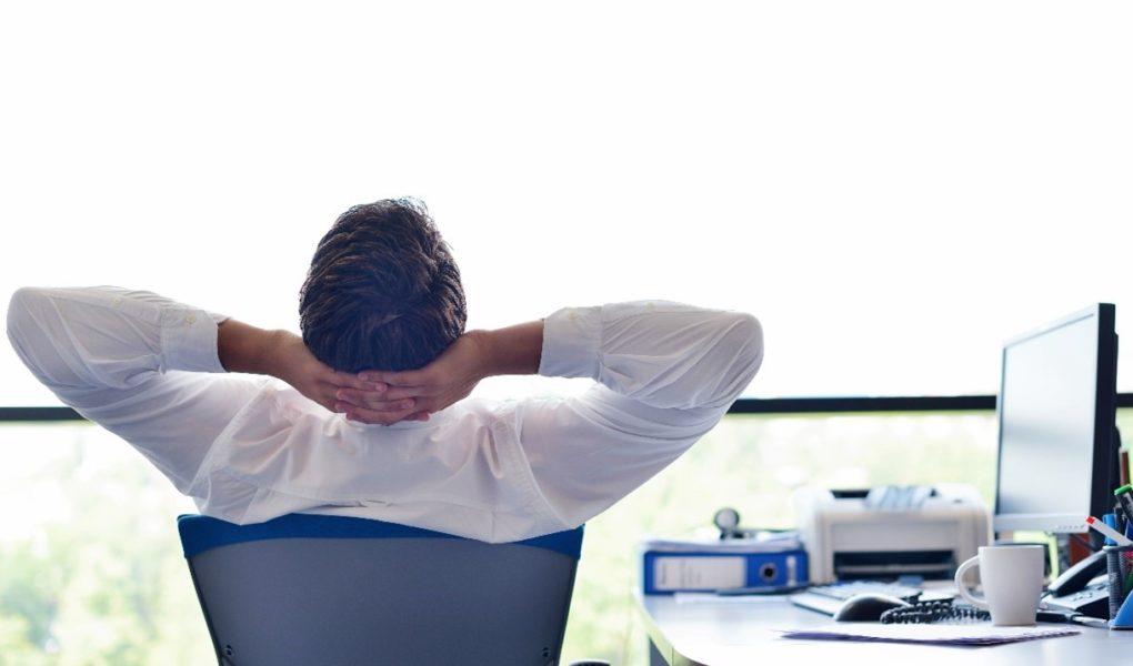 Rynek pracy w cyberbezpieczeństwie – brakuje specjalistów, firmy kuszą wysokimi zarobkami